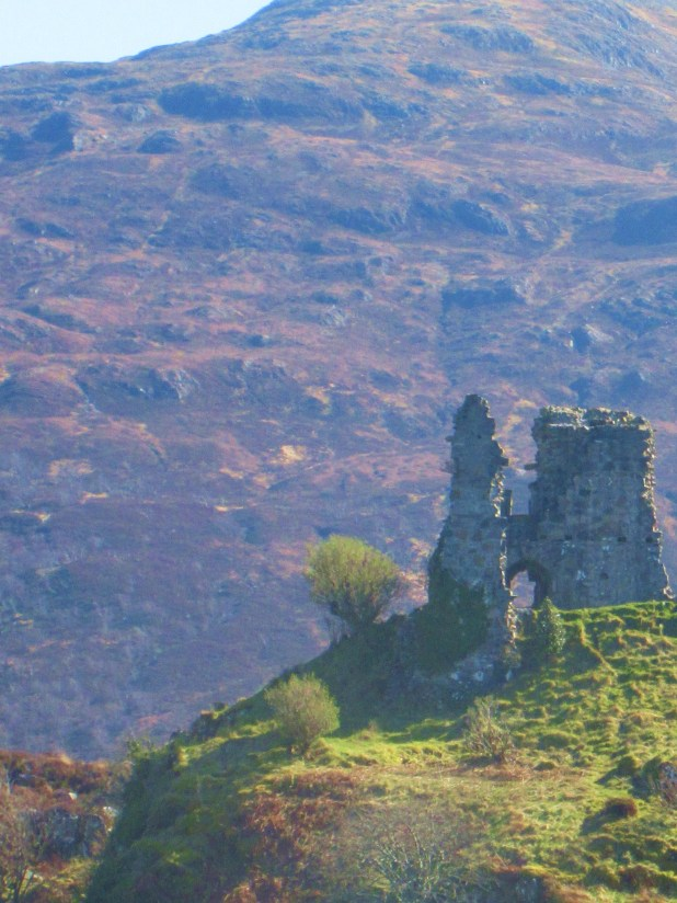 castle moil close