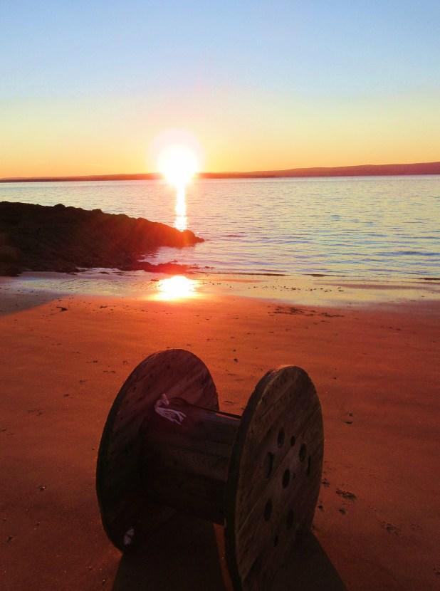 wooden-spool-sunrise