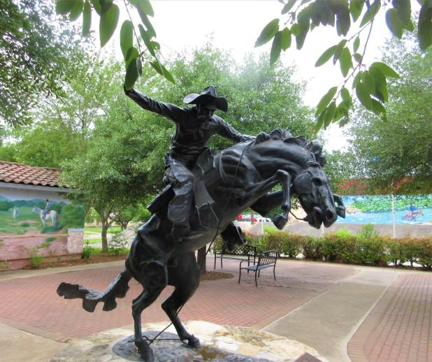 bandera horse statue